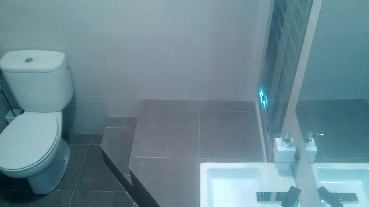 Reforma baño en Logroño a diferente altura